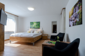 Zimmer 1 – Pension Jöbstel in Waischenfeld in der Fränkischen Schweiz.